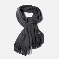 Wool scarf with fringe