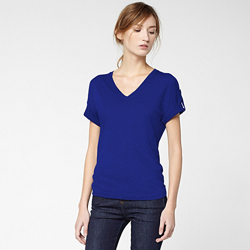 V-neck tee-shirt with roll-up sleeves